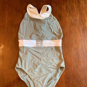 CHANEL - Fabulous one piece swimsuit - Size 40